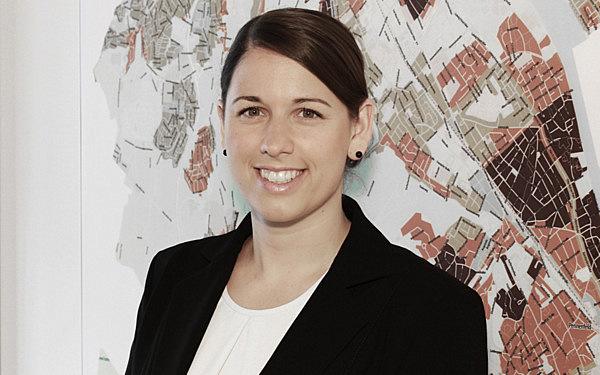 Jennifer Bünder, MRICS : M.Eng. Grundstücksbewertung //Associate