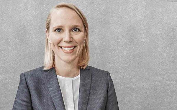 Juliane Schräder : Mag. rer. soc. oec. // Geschäftsführende Gesellschafterin
