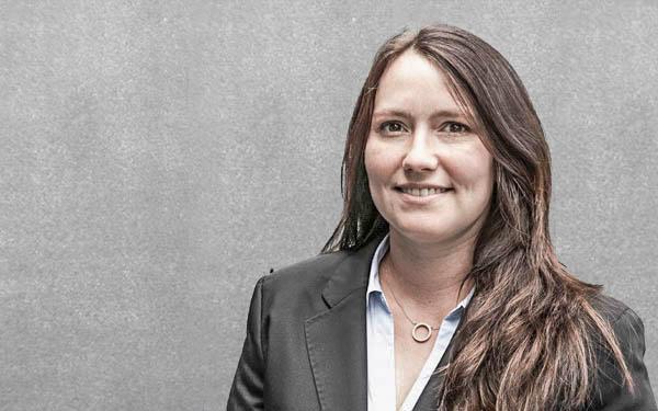 Stefanie Zepezauer : Team-Assistenz
